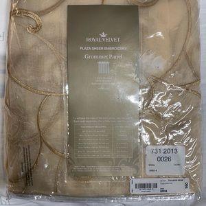 """Royal Velvet Sheer Embroidery 50"""" X 84"""""""
